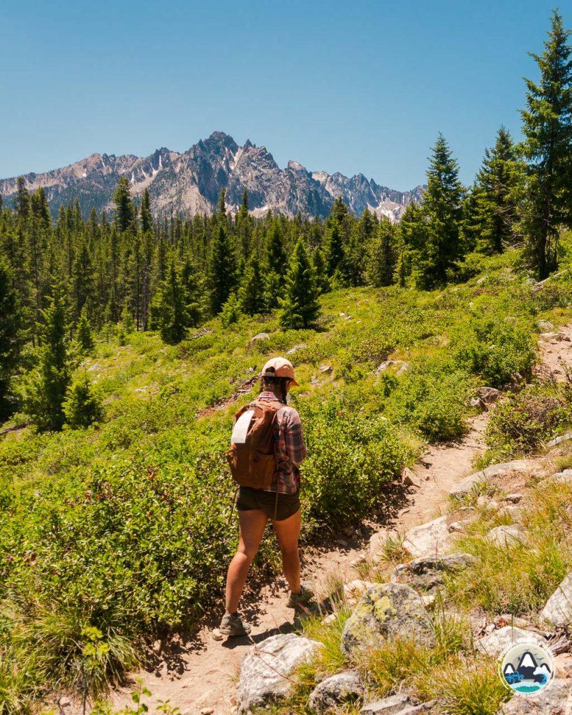 Bench Lakes trail