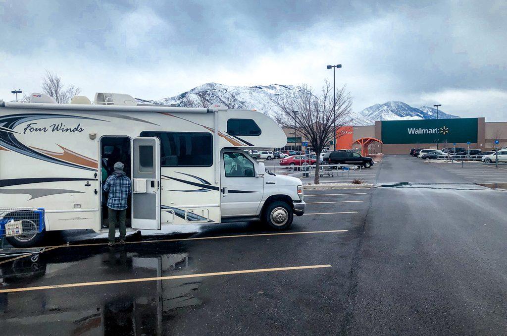 Finding Free Camping at Walmart, US