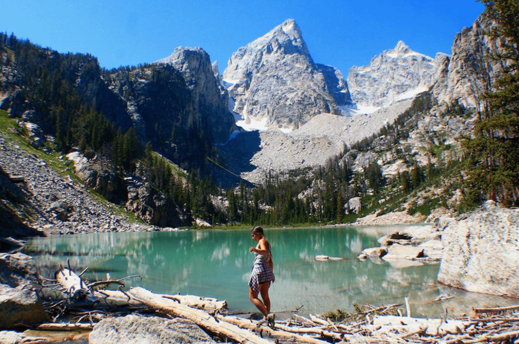 Yellowstone national park one day itinerary- hiking Delta lake