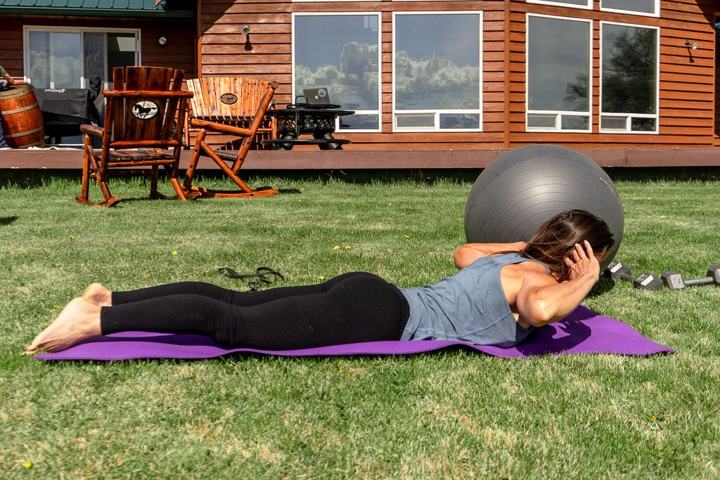 Stay fit while traveling: Workout routine for travelers