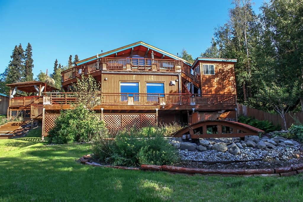 A Goldenview Bed & Breakfast Anchorage Places to Stay