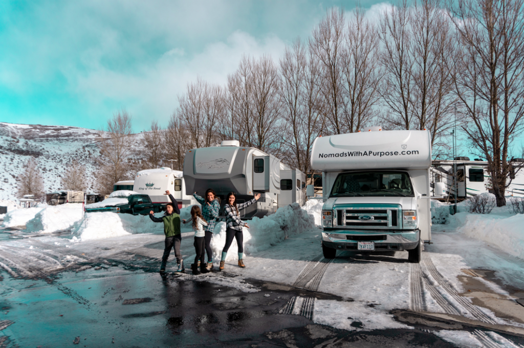 RV LIVING + FULL TIME TRAVEL WITH KIDS