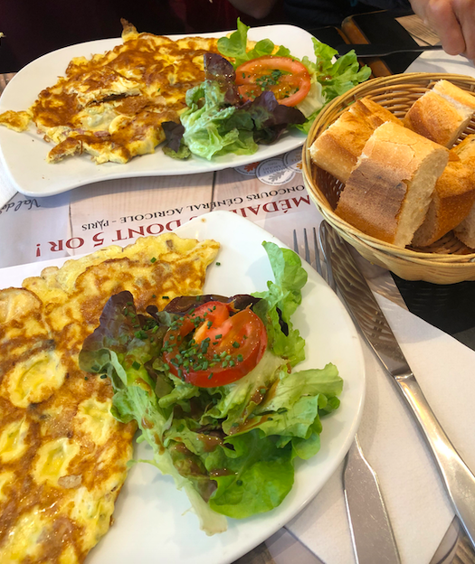 Stay fit while traveling breakfast