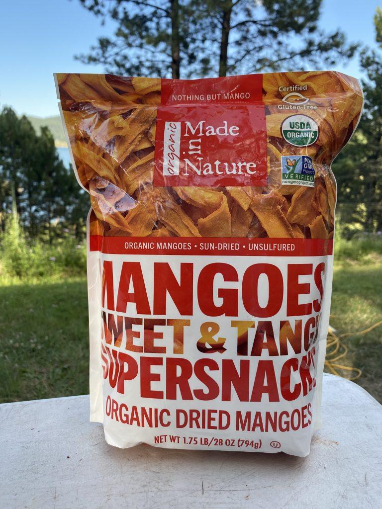 Best hiking snacks dried mangos