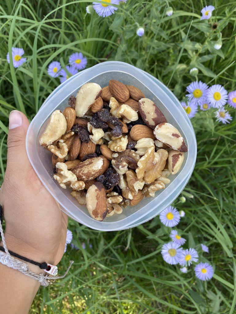 trail mix nuts, Best hiking snack